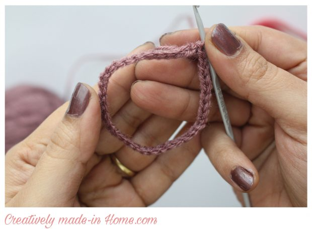how-to-make-crochet-hand-warmer-for-baby-03