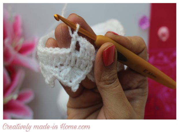 How-to-make-crochet-floral-headband-for-baby-11