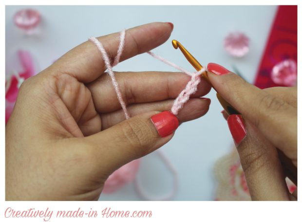 How-to-crochet-3-dimensional-flower--Step-01