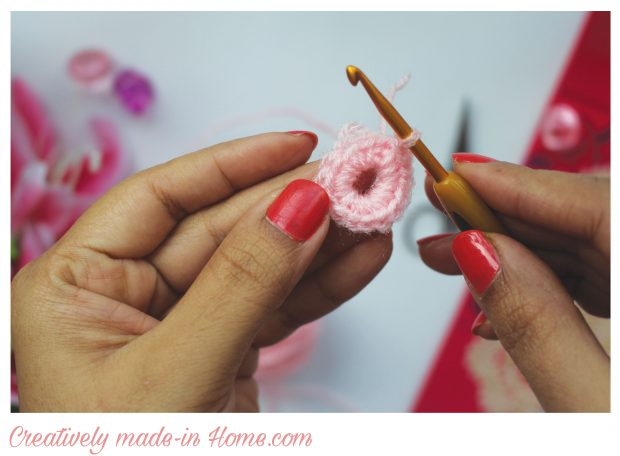 How-to-crochet-flower-Daisy--Step-03