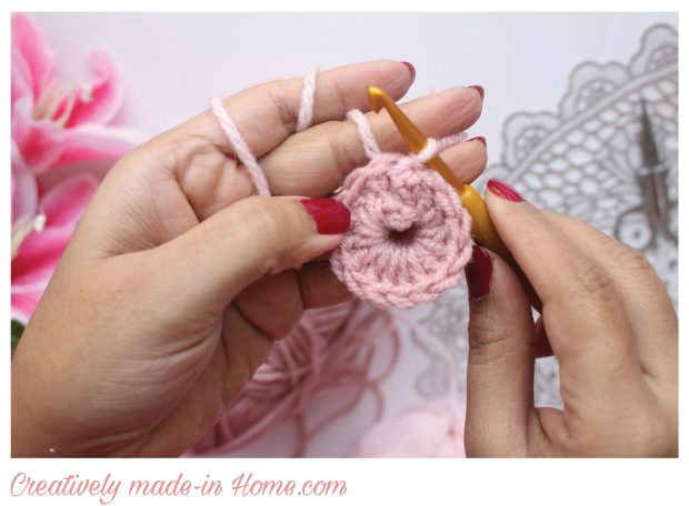 How-to-crochet-easy-coaster-02