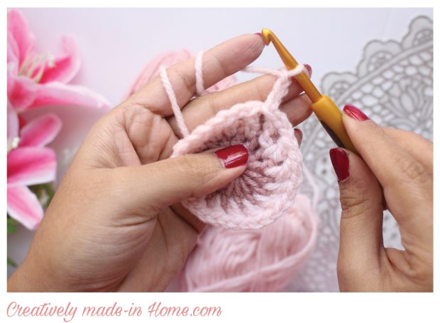 How-to-crochet-easy-coaster-08