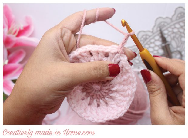 How-to-crochet-easy-coaster-12