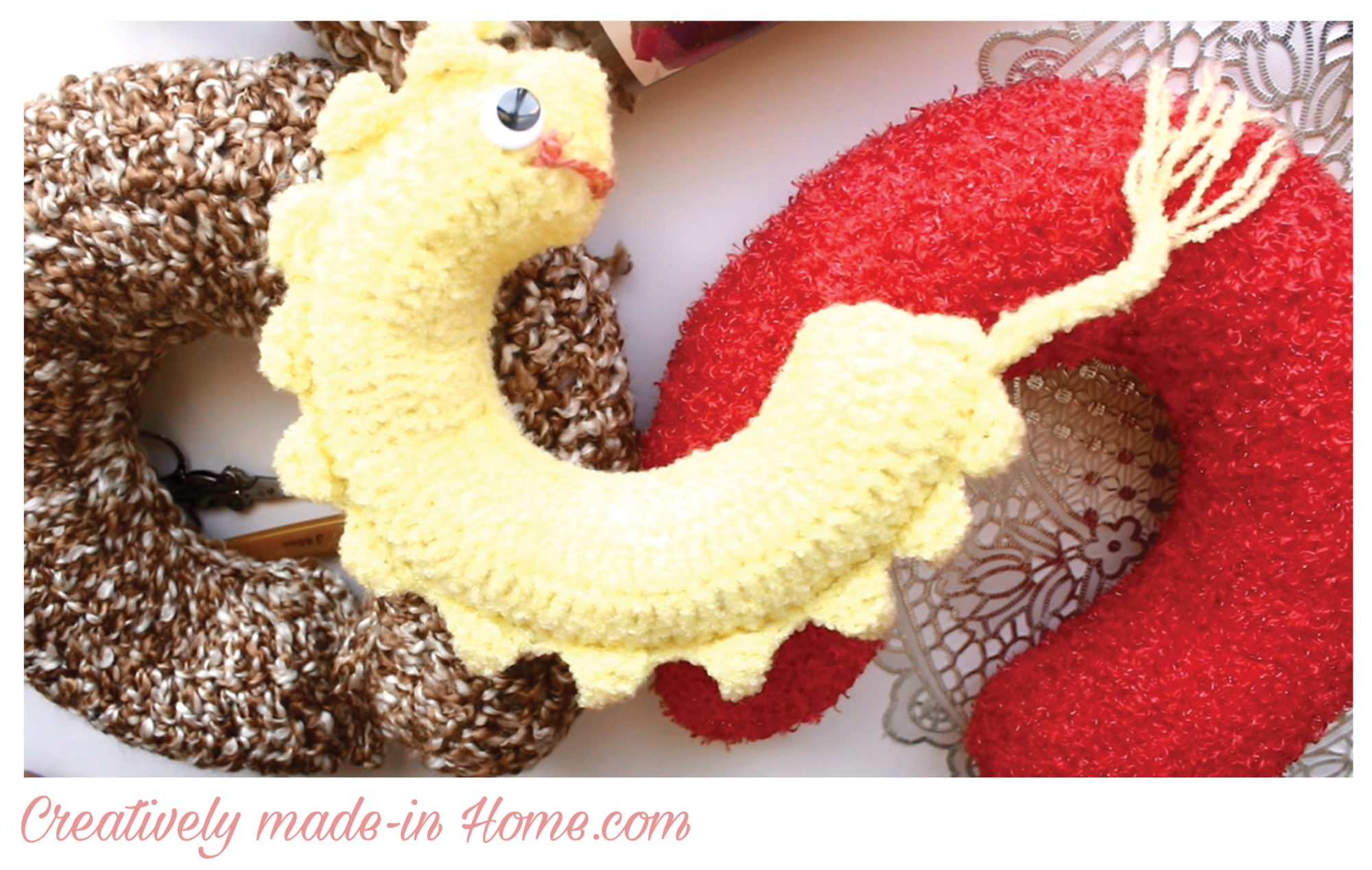 How to make easy crochet Travel Pillow - Creatively made-in Home