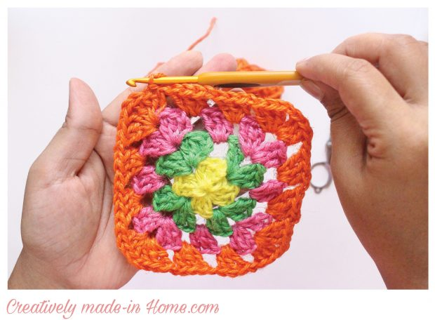 How-to-crochet-traditional-Granny-square-free-pattern--05