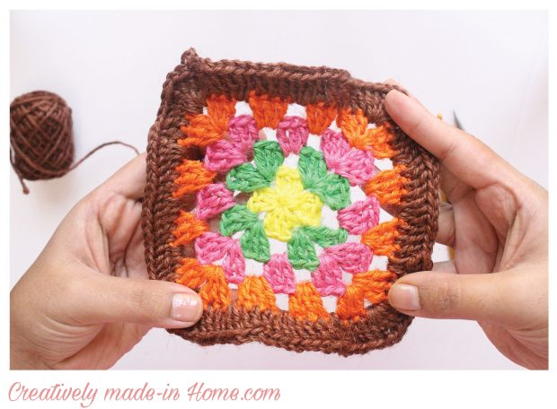 How-to-crochet-traditional-Granny-square-free-pattern--06