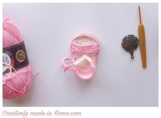 How-to-crochet-easy-summer-sandals-for-baby-17