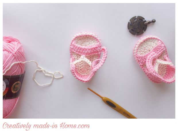 How-to-crochet-easy-summer-sandals-for-baby-24